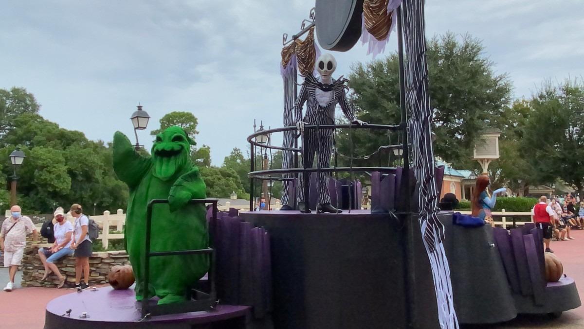 TMSM's Adventures in Florida Living - This is Halloween 5