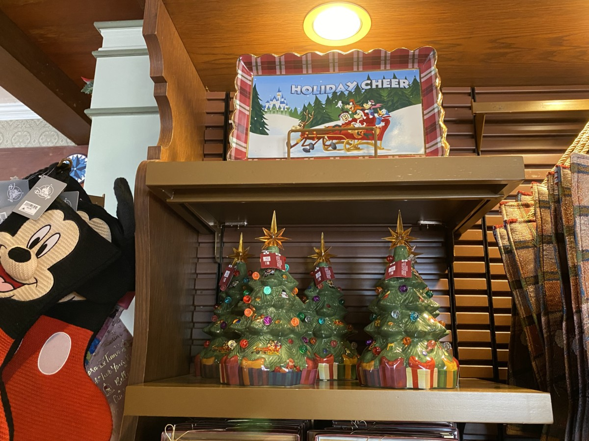 New Holiday Merchandise at Walt Disney World! 14