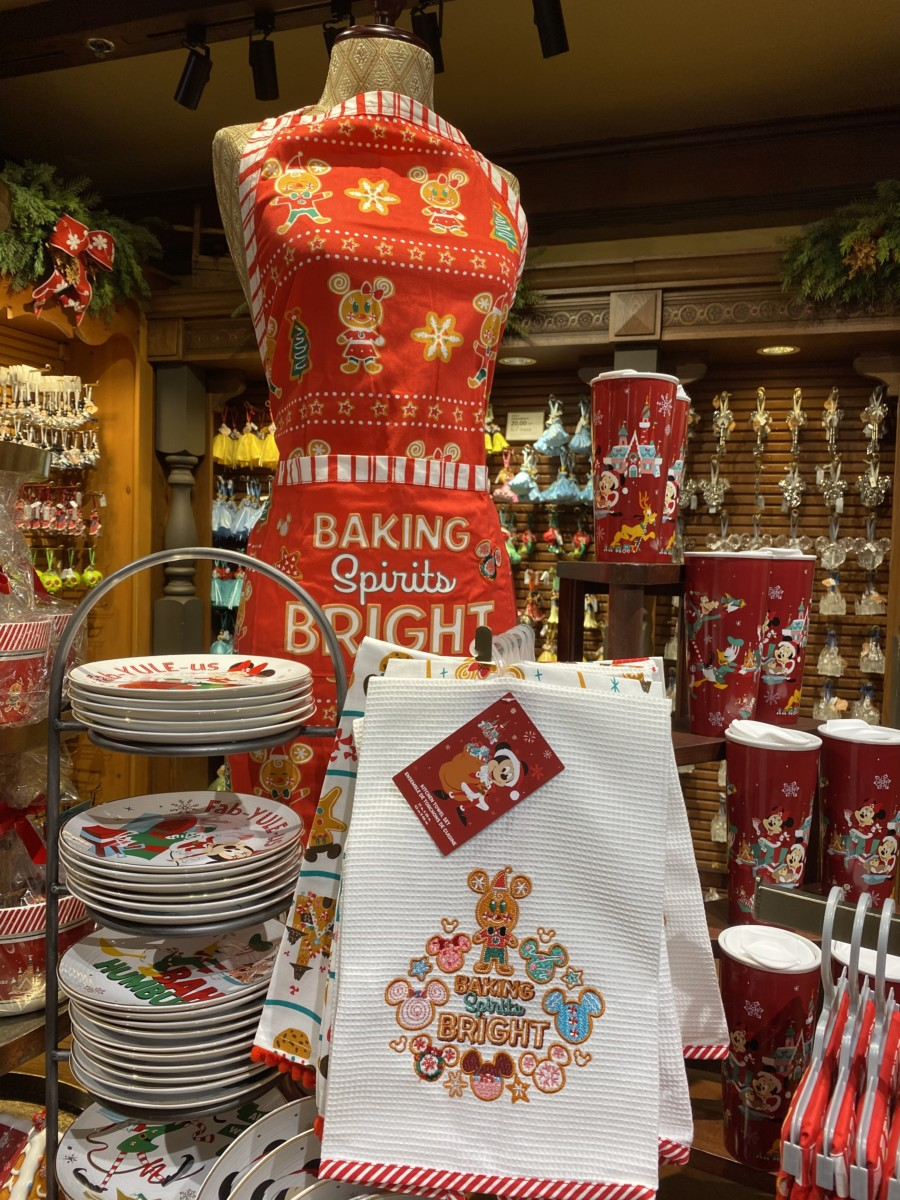 New Holiday Merchandise at Walt Disney World! 19