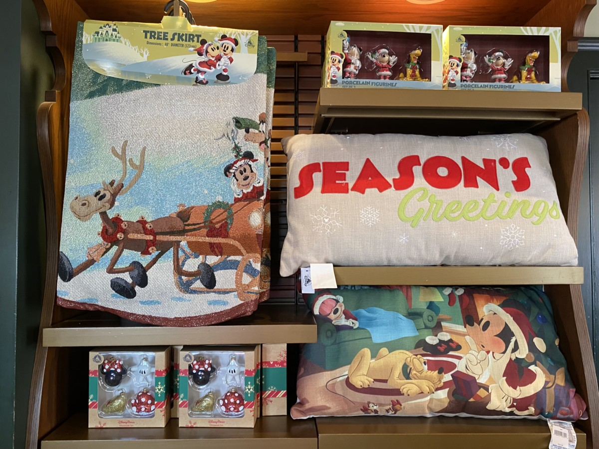 New Holiday Merchandise at Walt Disney World! 16