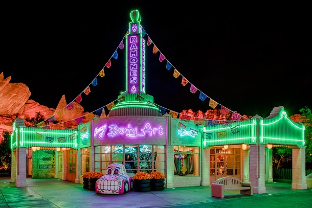 """Disneyland Releases New Statement, Governors Restrictions """"Unworkable"""" 1"""