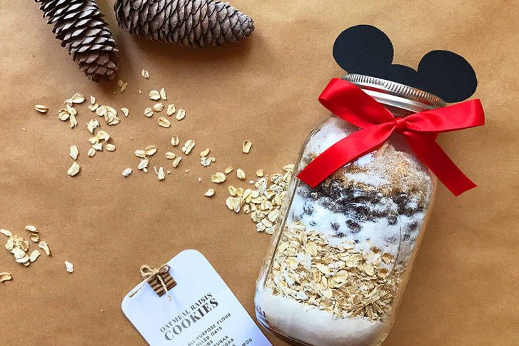 Early Holiday DIY: Mickey Mason Jar Cookie Kit 1