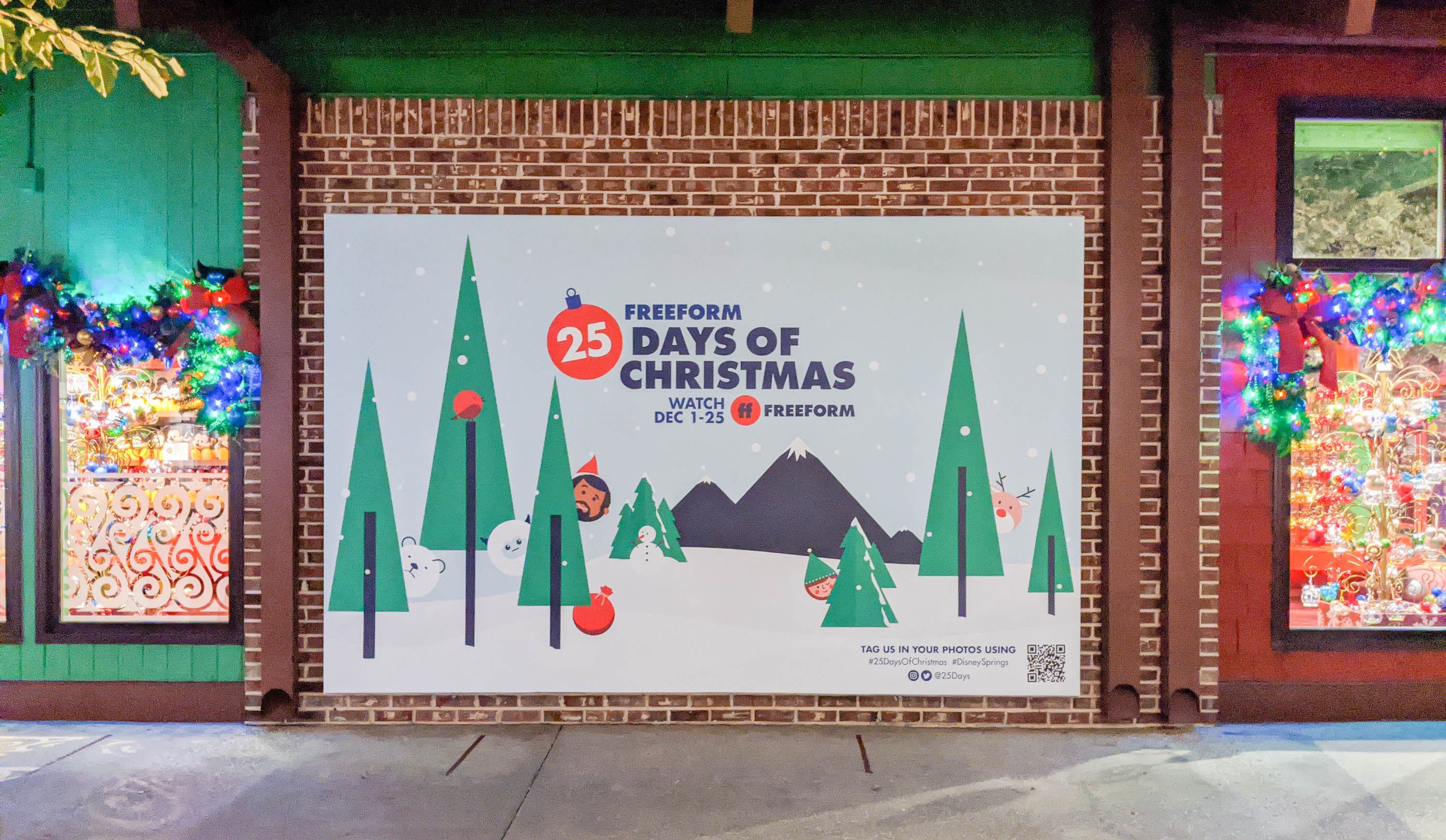 "FreeForm's ""25 Days of Christmas"" Photo Op"