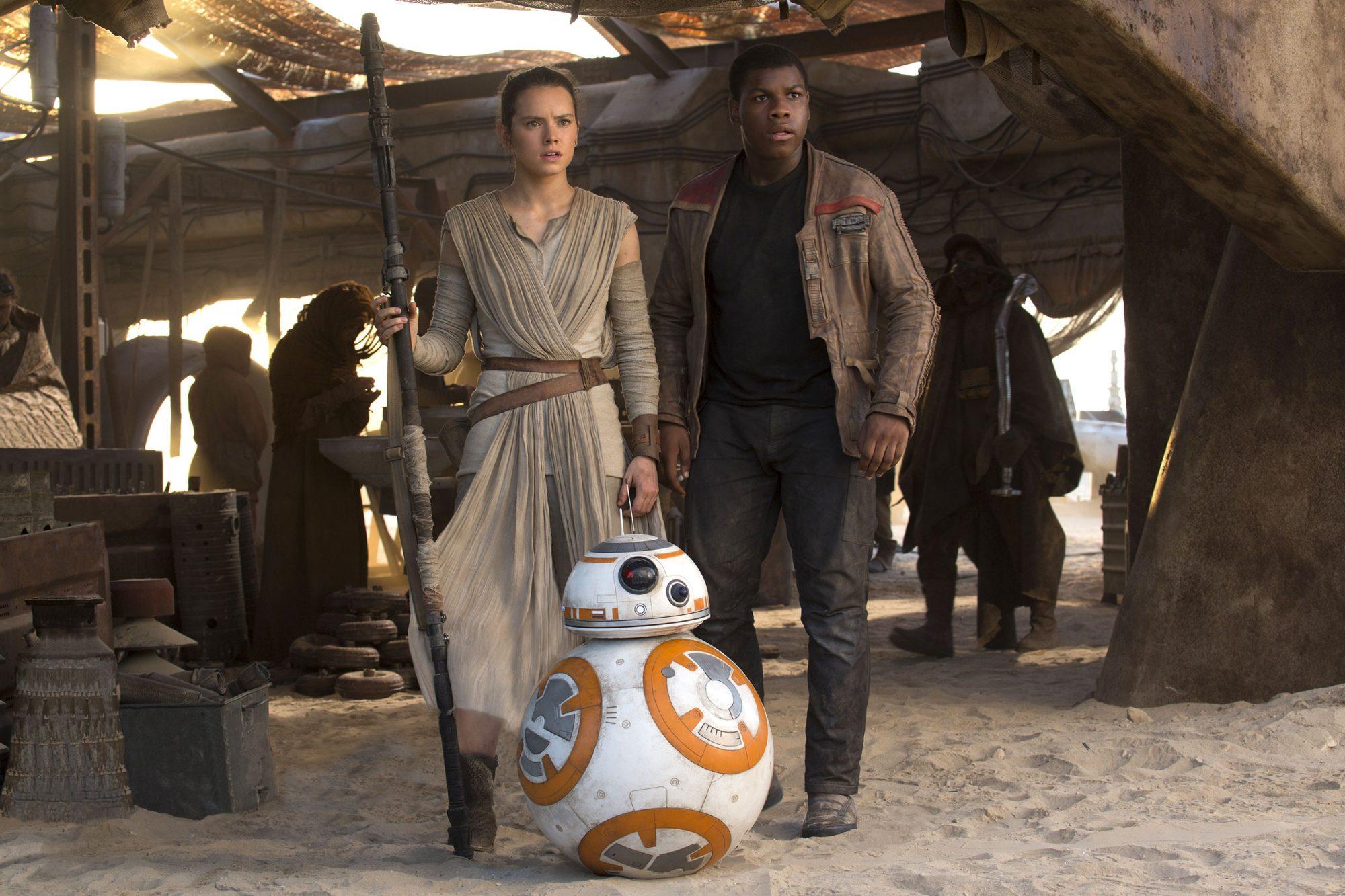 John Boyega on whether Finn still has a crush on Rey in The Rise of Skywalker   EW.com